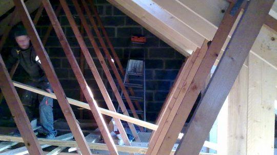La surélévation de la toiture en ossature bois : que faut-il savoir ?