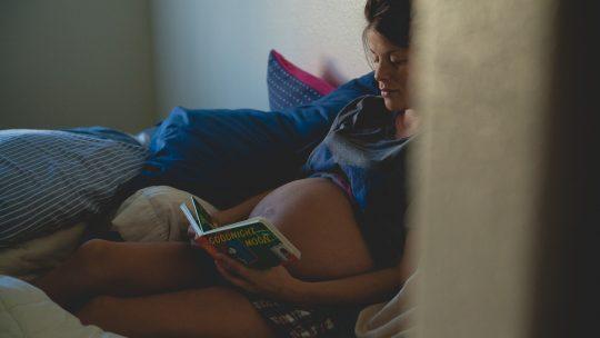 Comment bien dormir lorsqu'on est enceinte ?